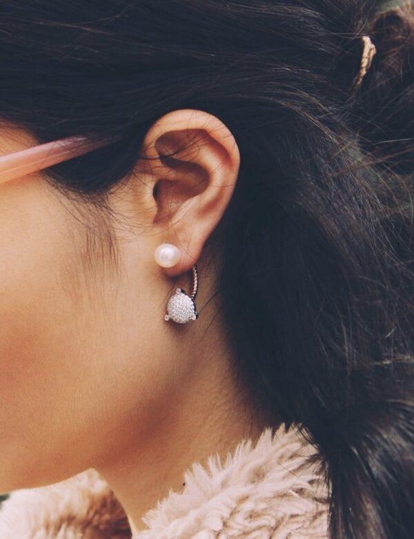 Paris Ear Rose